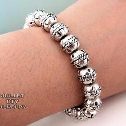Tribal style silver beads bracelet